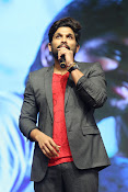Allu Arjun at Oka Manasu Audio launch-thumbnail-7