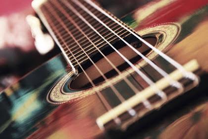 Cara Mengetahui Kualitas Gitar Akustik