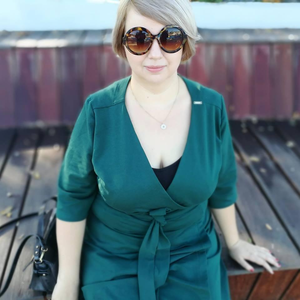 Dresowa sukienka kopertowa - Znów zielono mi!