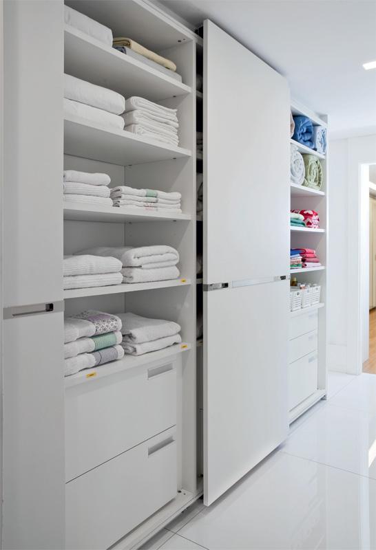 Perfeita ordem blog de decora o arm rios e closets pra l de organizados - Como ordenar tu armario ...