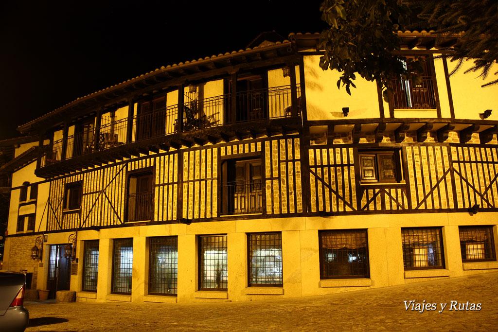 hotel de Mogarraz, vista nocturna
