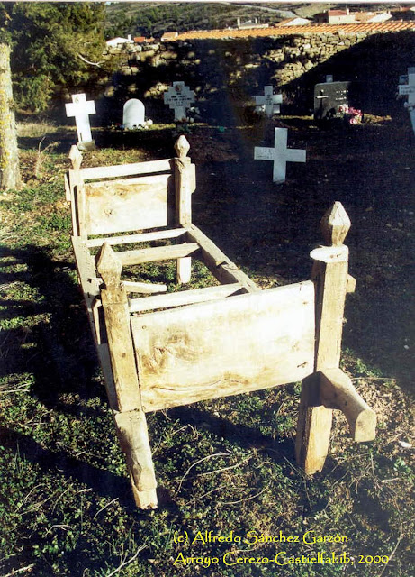 arroyo-cerezo-castielfabib-cementerio-cajon-muertos