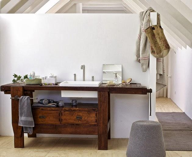 Banco de carpintero reconvertido en lavabo.