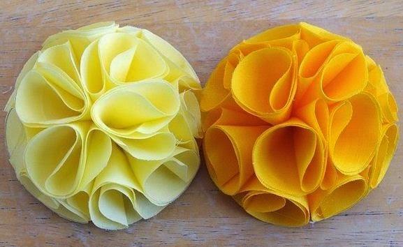 4 manualidades de flores de tela diy mimundomanual - Flores de telas hechas a mano ...