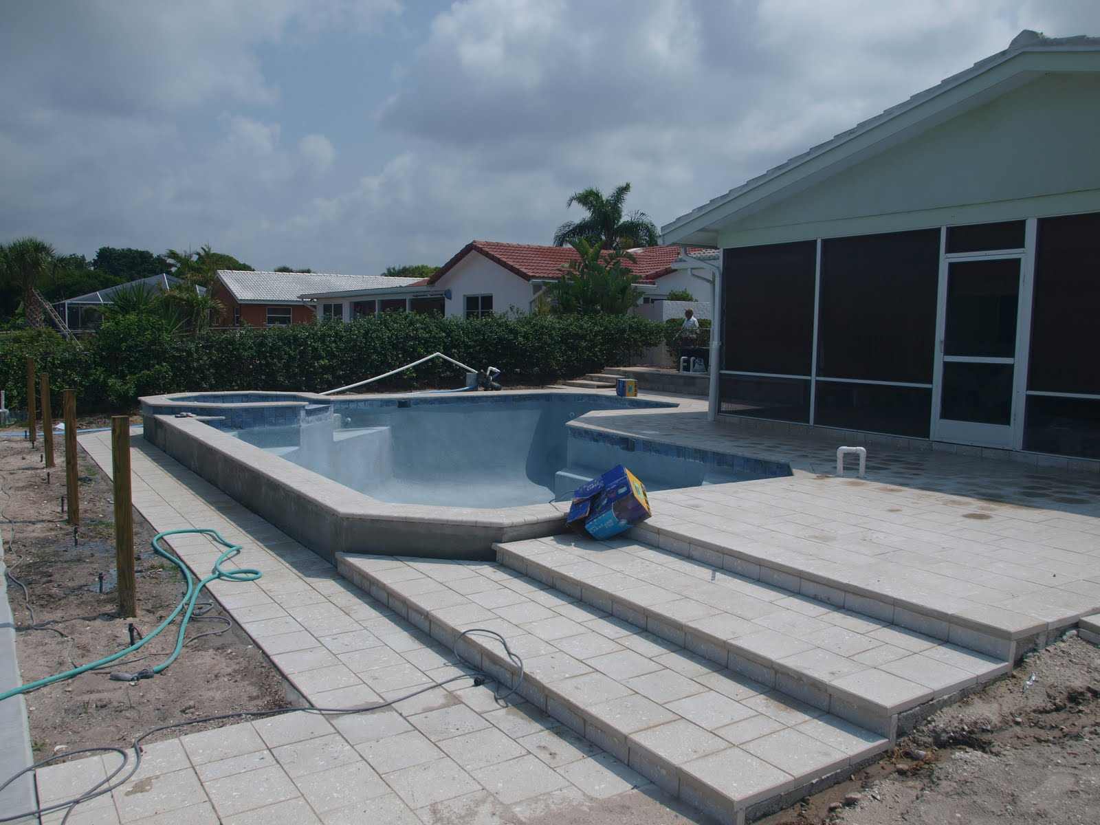 The New Blue Pool Pebbletec