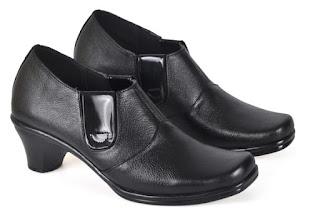 Sepatu Kerja Boots Wanita PUC 701