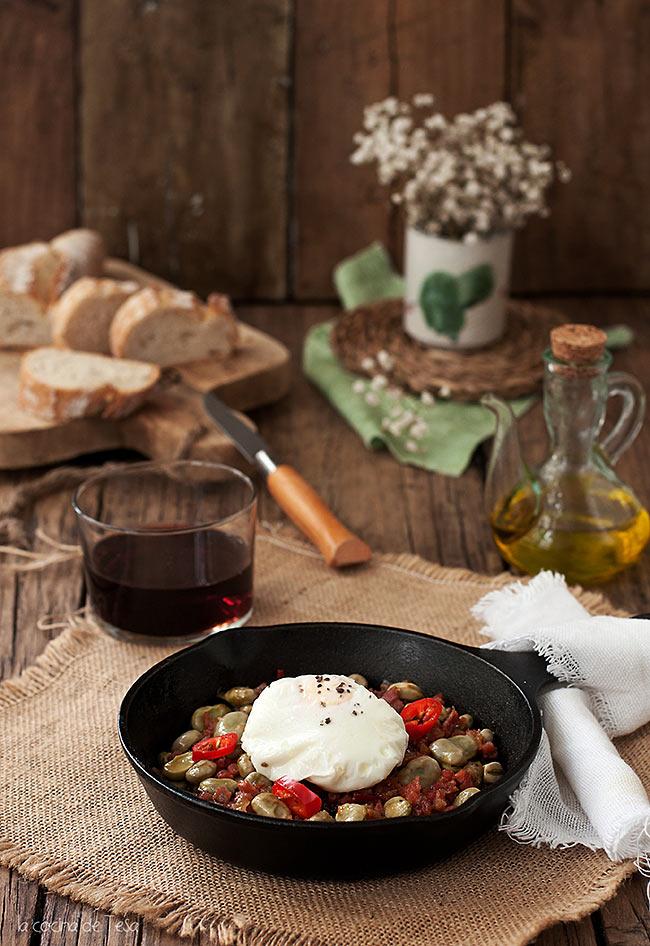 La cocina de tesa habitas frescas con jam n y huevo poch - Habas frescas con jamon ...