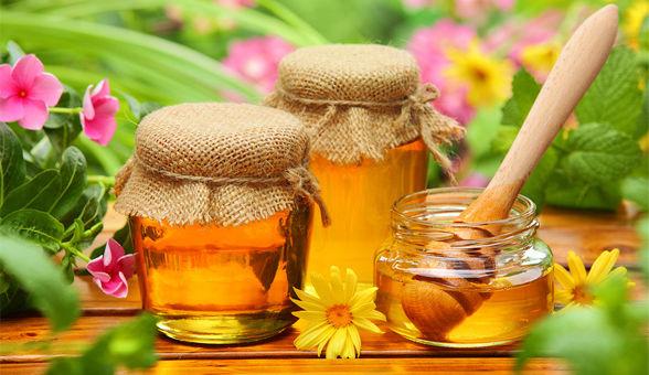Người cao tuổi nên ăn đường hay mật ong nguyên chất ?