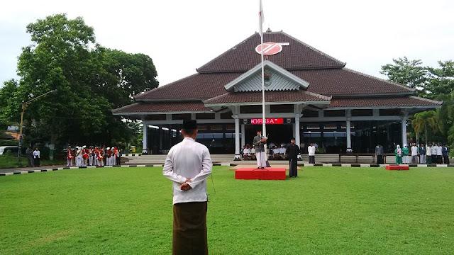 Foto Upacara Peringatan Hari Santri Nasional di Pendopo Kabupaten Batang