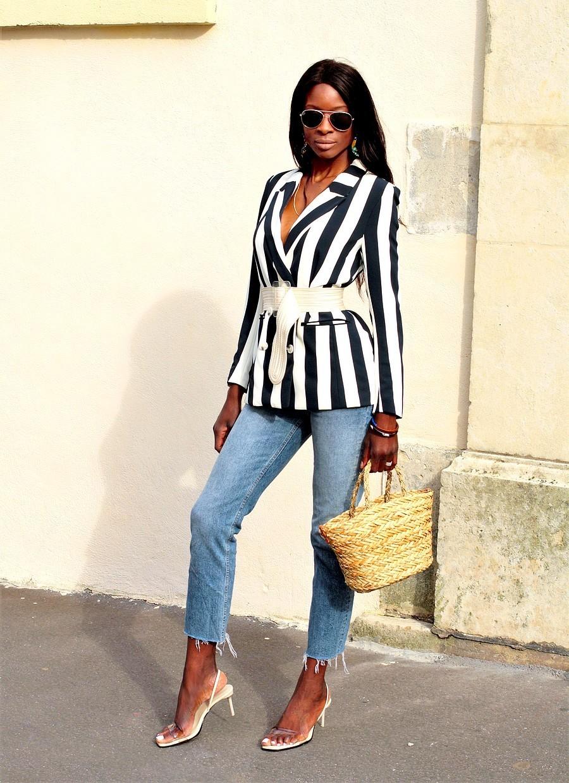 blazer-raye-ceinture-zara-jeans-h&m-mango-sandales-sac-panier