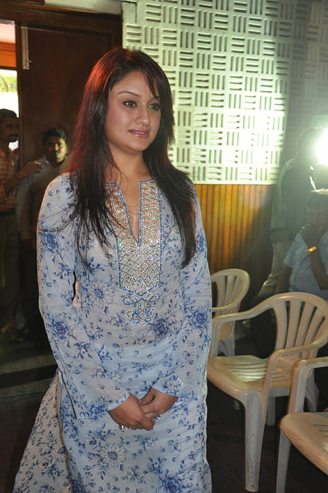 voluptuous and blooming Sonia agarwal stills