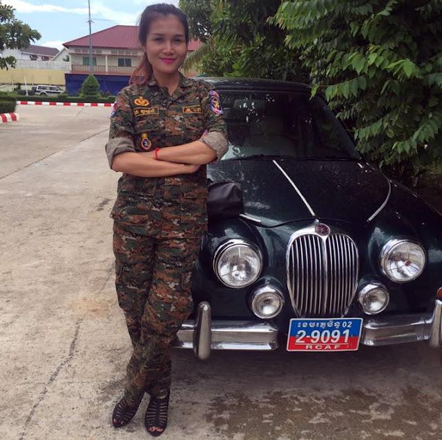 Élégance militaire et automobile pour Sotheara