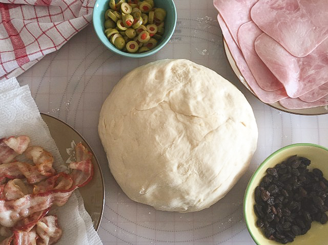 Ingredientes del pan de jamón venezolano