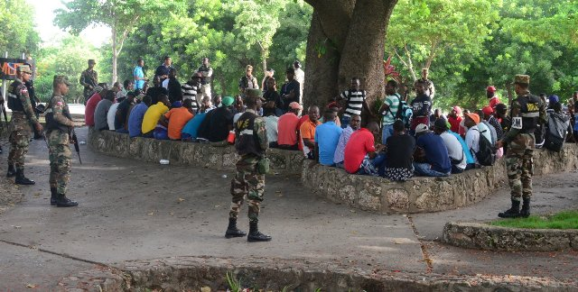 Inician batida contra haitianos sin papeles