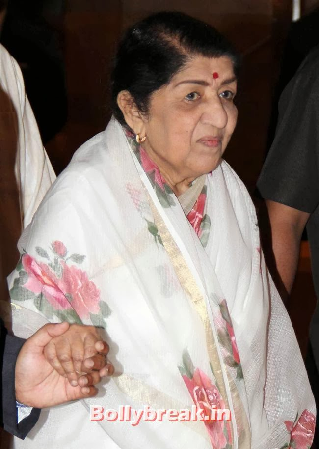 Lata Mangeshkar, Bollywood Beauties at Yash Chopra Memorial Awards