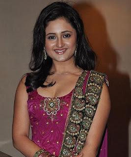 Biodata dan Foto Rashmi Desai sebagai Tapasya Raghuvendra Pratap Rathroe