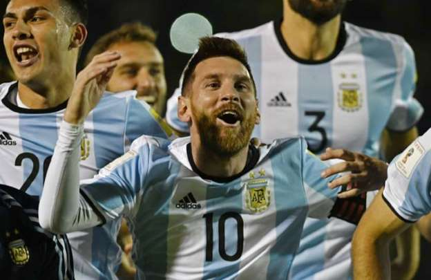Magical Messi sees Argentina through to World Cup