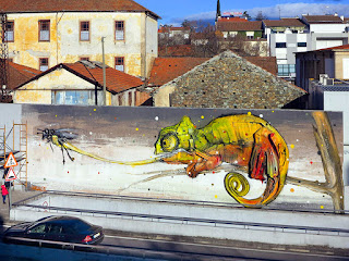 http://www.thisiscolossal.com/2015/05/bordalo-trash-murals-lisbon/