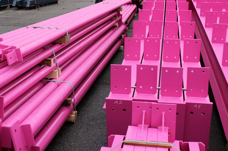 Розовые металлоконструкции