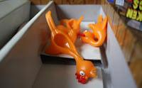 Udo hat gesagt, ich muss auch die ekligen toten Hühner fotografieren.