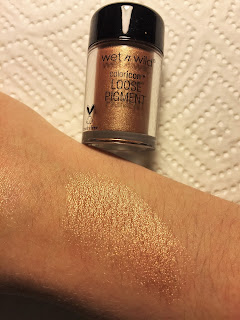 wet n wild coloricon loose pigment dom & cherry on top swatch