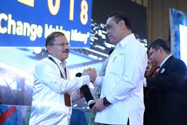 Tiga Tahun Pimpin Padang Pariaman, Berikut Penghargaan Yang Diperoleh Pasangan Ali Mukhni-Suhatri Bur