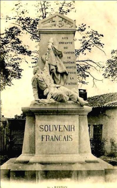 CPA monuments aux Morts du Puy-de-Dôme, Randan