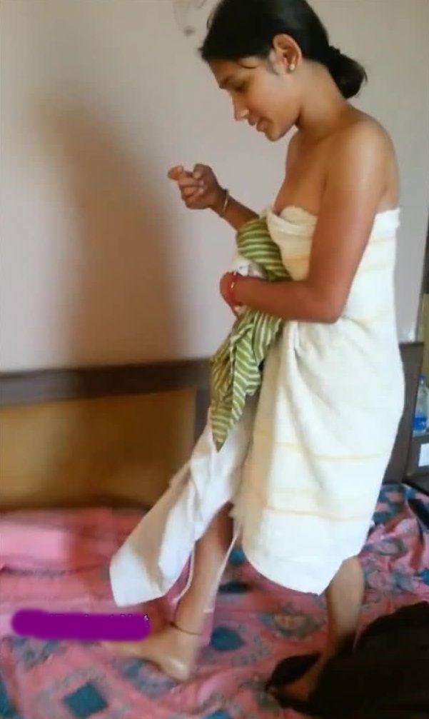 Indian Desi Aunty And Bhabhi Nude Photo: 07/10/16