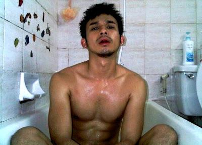 Indo Teen männlich nackt — foto 13