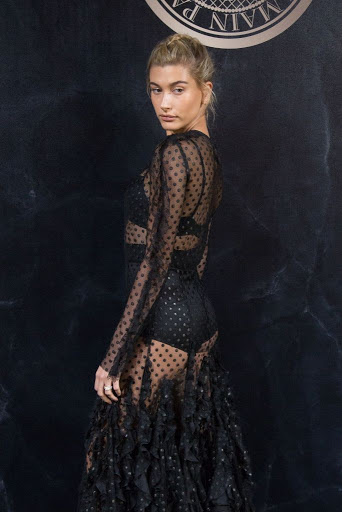 Hailey Baldwin red carpet fashion dress photo