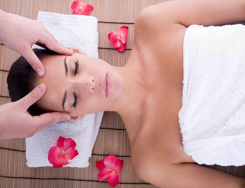 Relajación, la mejor aliada contra el dolor durante el masaje.