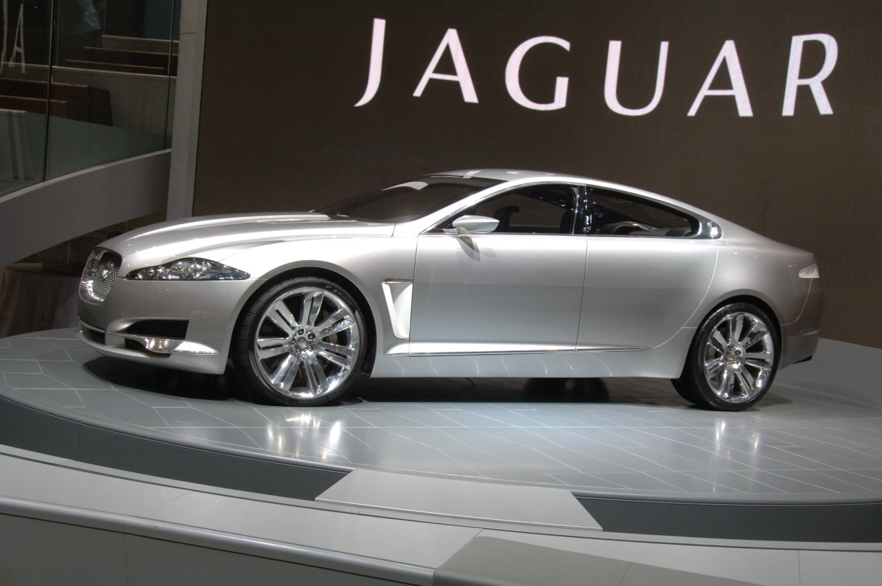Cool Car Wallpapers: Jaguar Xf 2012