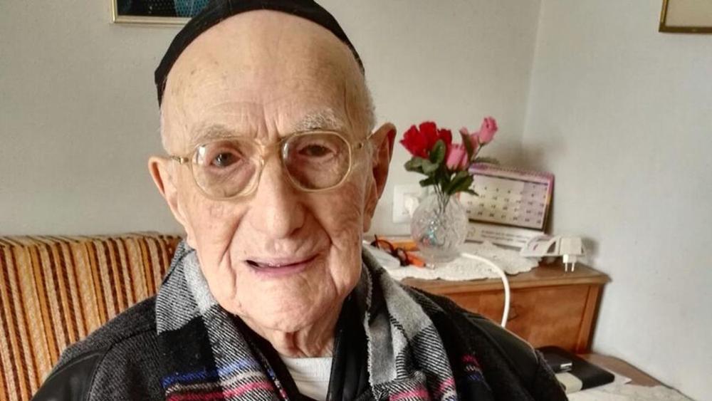 Muore a 113 l'uomo più vecchio; era sopravvissuto all'Olocausto