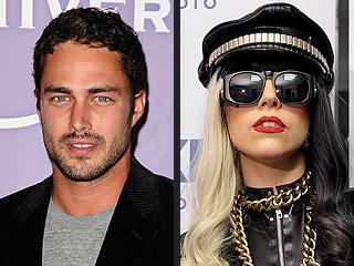 Lady Gagas Rare PDA with Boyfriend - Oddetorium