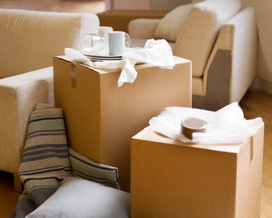 9 Tips for making the first night in your new home easier. Amazing moving tips!
