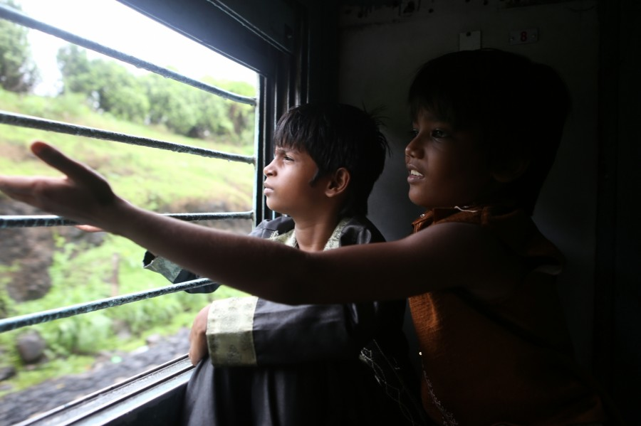 Rakeysh Mehra Shot Journey to Meet PM Sequence in Train