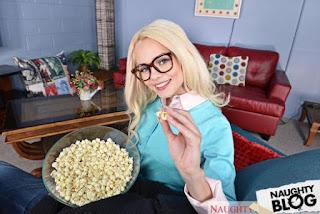 Naughty America – Elsa Jean: Twisted Sisters VR