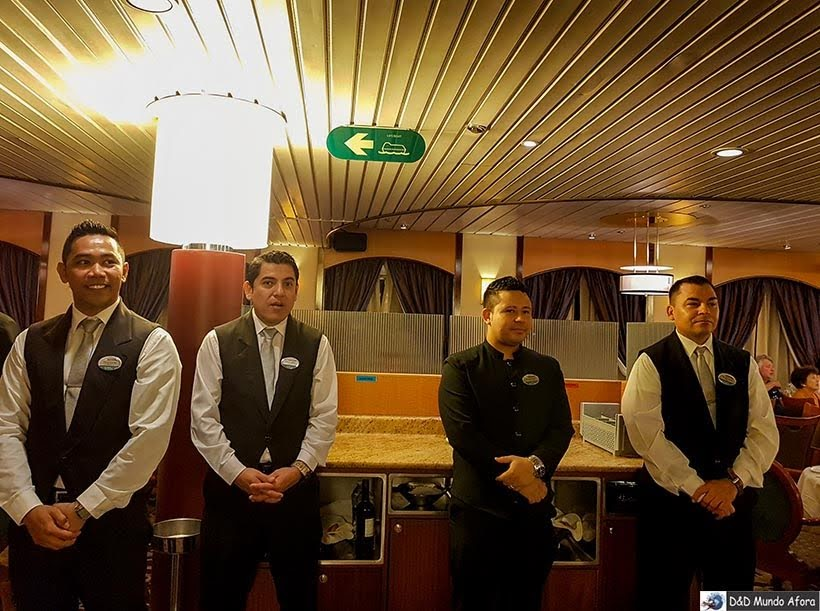 Garçons do navio - Diário de Bordo: cruzeiro pelo Caribe