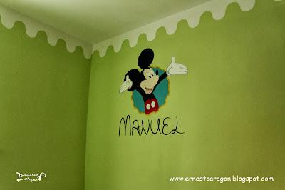 Decorar habitación con mural del ratón Mickey