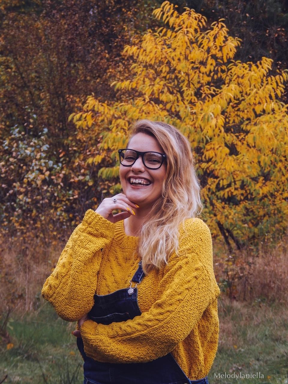 14 jeansowe długie ogrodniczki z czym nosić żółty sweter zakupy w primark ceny jakość daniel wellington opinie zegarki stylizacja minionek cosplay jeansowe buty łuków okulary zerówki blond fryzury