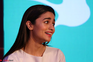 Alia Bhatt looks super cute in T Shirt   IMG 7690.JPG