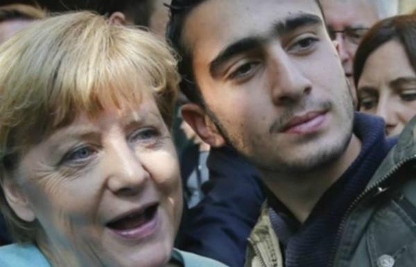لاجئ سوري يقاضي فيسبوك بسبب سيلفي مع ميركل!