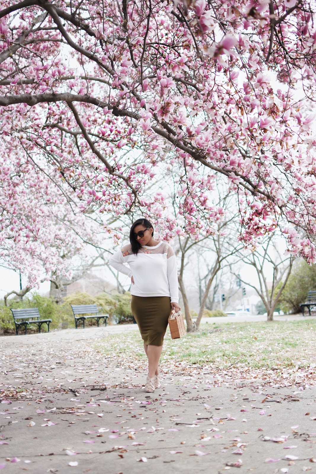 Cherry blossoms, cherry blossom in dc, mom blogger, fashion blogger, spring looks, maternity style