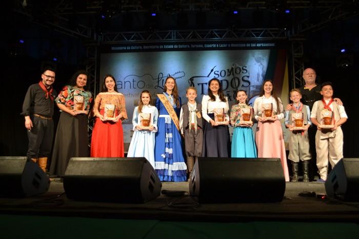 Conheça os vencedores da 3ª Lamparina da Canção Gaúcha