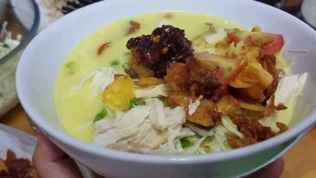 Resep soto ayam merupakan satu dari ribuan resep kuliner berbahan dasar daging ayam yang  Aneka Resep Soto Ayam Praktis, Mudah dan Tidak Ribet