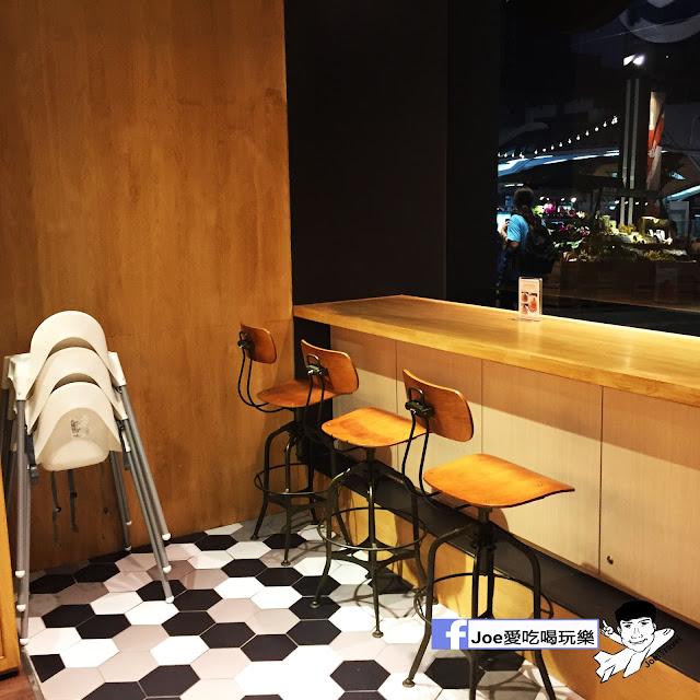 IMG 0287 - 【台中甜點】jamling Cafe 台中 - 來自東京鬆鬆軟軟入口即化的鬆餅 貓王鬆餅 吃起來有花生的甜 培根的鹹 ~一整個超級特別!!