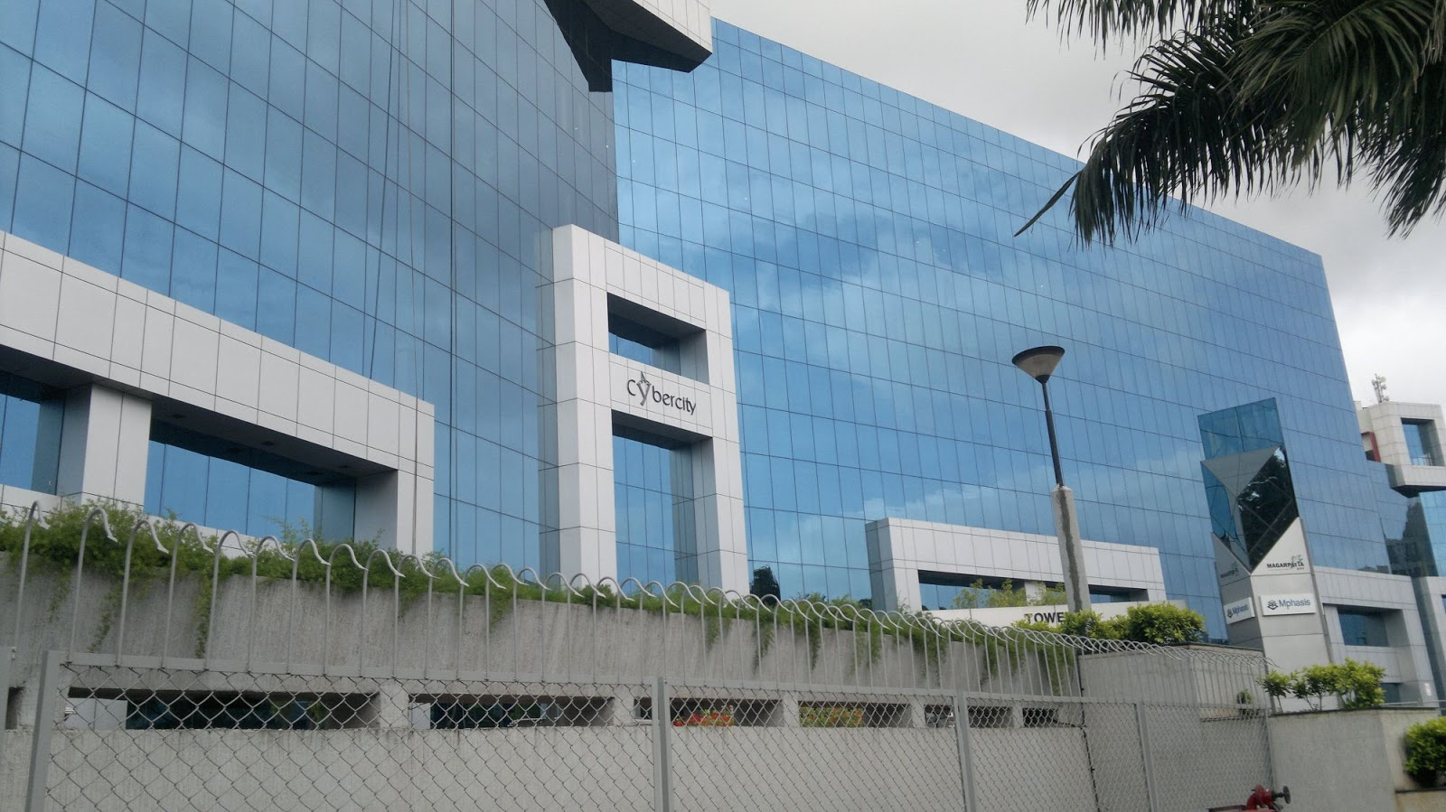 mphasis walkin drive for freshers  experience on 25th mar