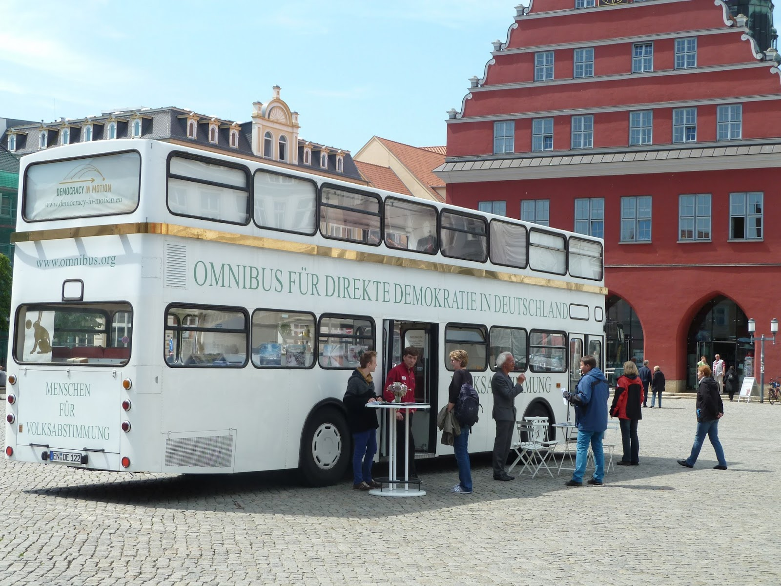 Greifswald im Mai: Gespräche, Freunde, Grundeinkommen und ein Omnibus