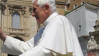 Papa Ratzinger, ou Bento XVI, em uma audiência ao público, Roma, Praça São Pedro