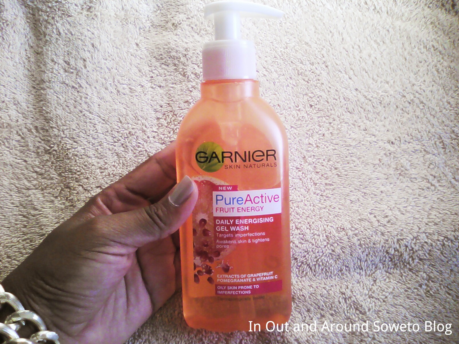 Review Garnier Pure Active Fruit Energy Daily Energising Gel Wash